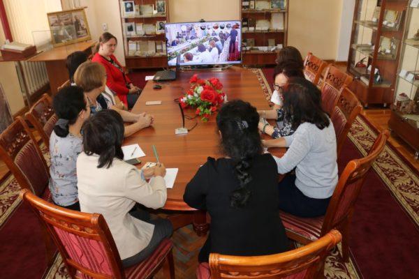 (RU) Роль казахстанских библиотекарей в развитии конструктивного общественного диалога: онлайн-заседание