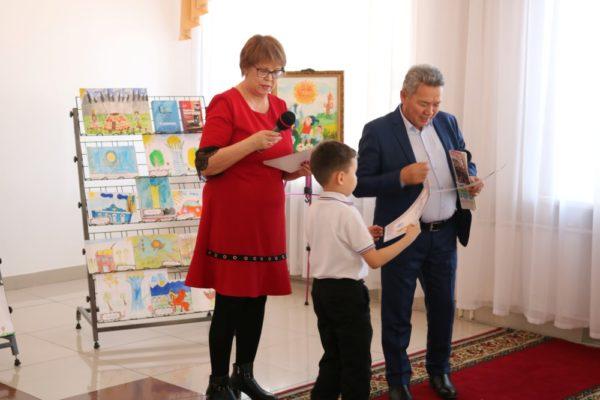 Я рисую Независимый Казахстан: выставка-конкурс рисунков